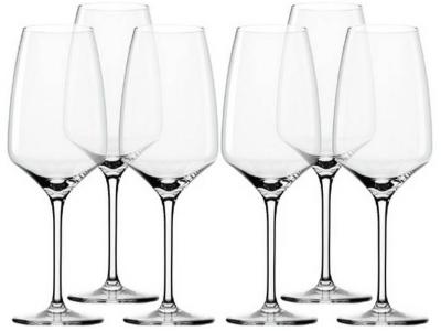 стеклянные бокалы