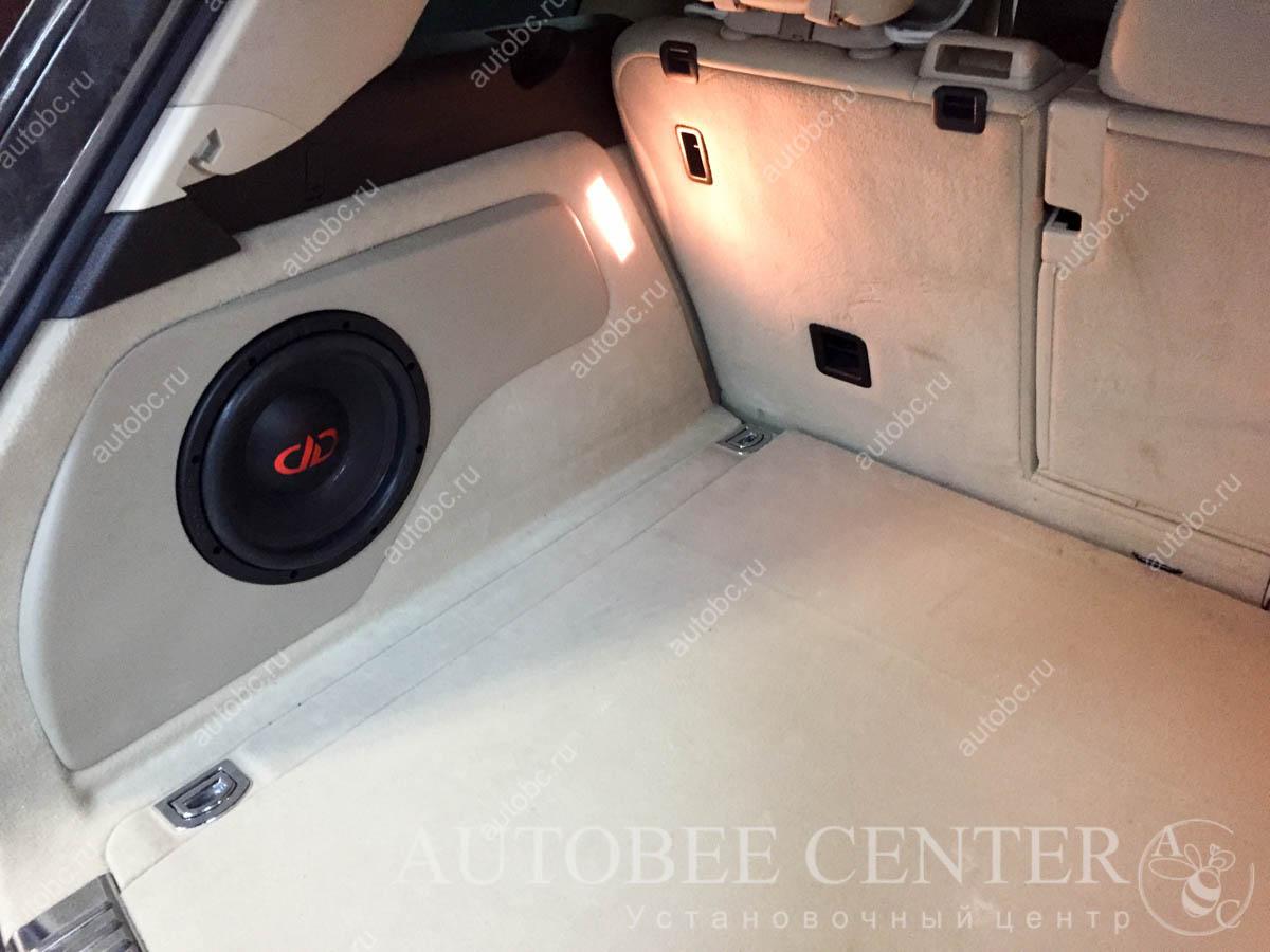VW Tuareg (корпус сабвуфера Стелс)