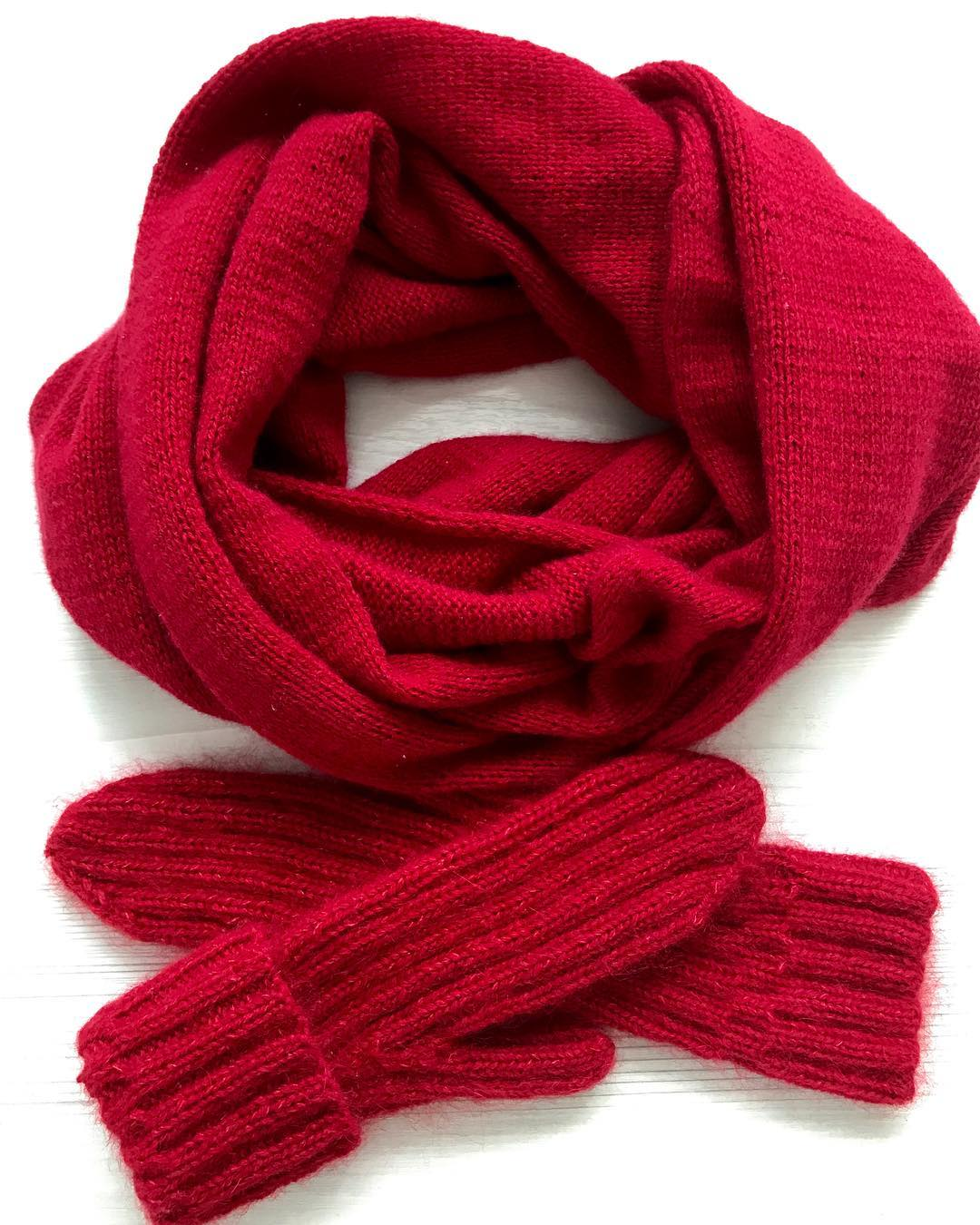 шарф и варежки из монгольского кашемира