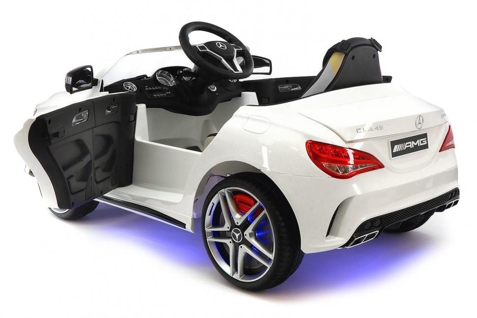 Белый детский Мерседес AMG на аккумуляторах вид сбоку-сзади