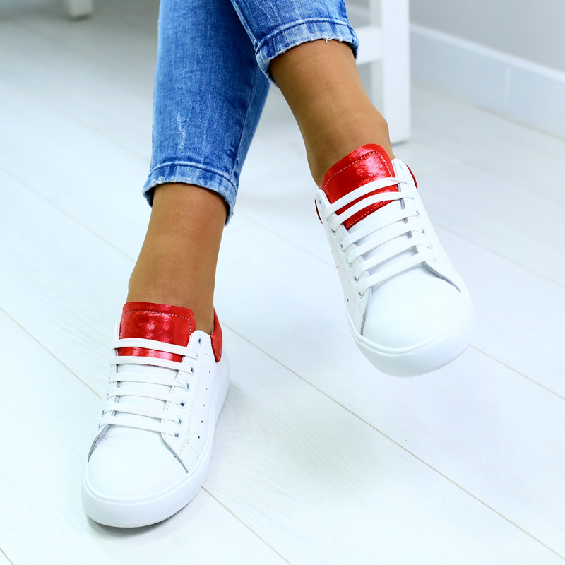 Спрятать шнурки в кроссовки – для чего?