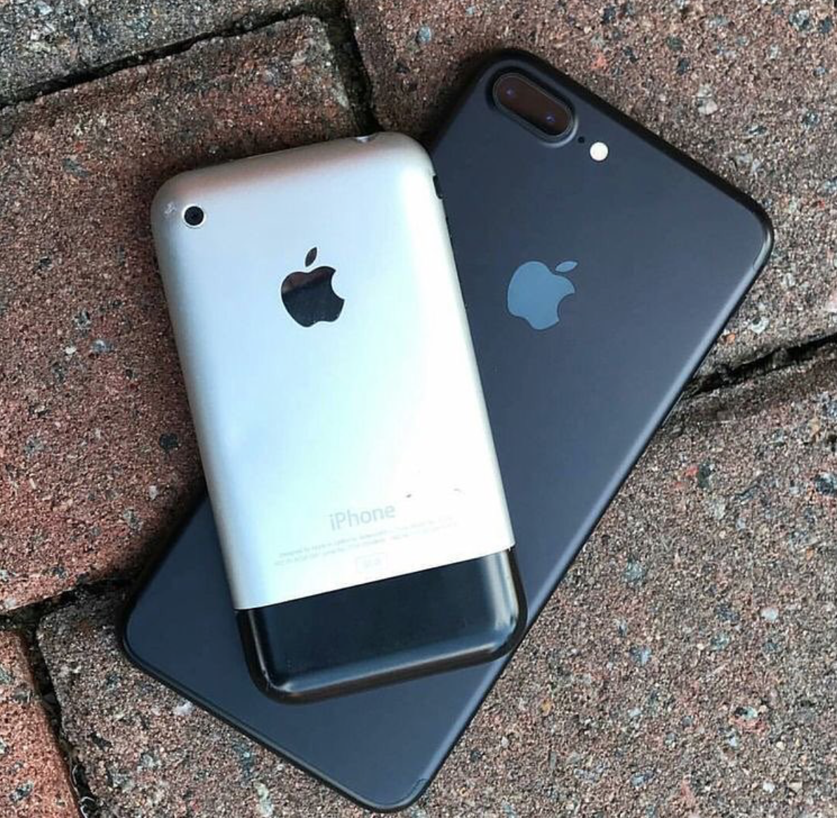 iPhone 2G iPhone 7 Plus