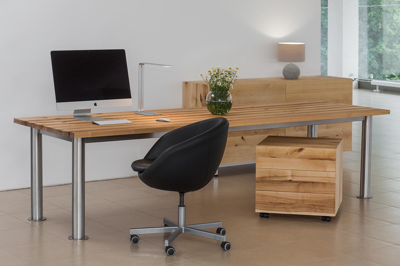 Мебель для офиса из массива дерева
