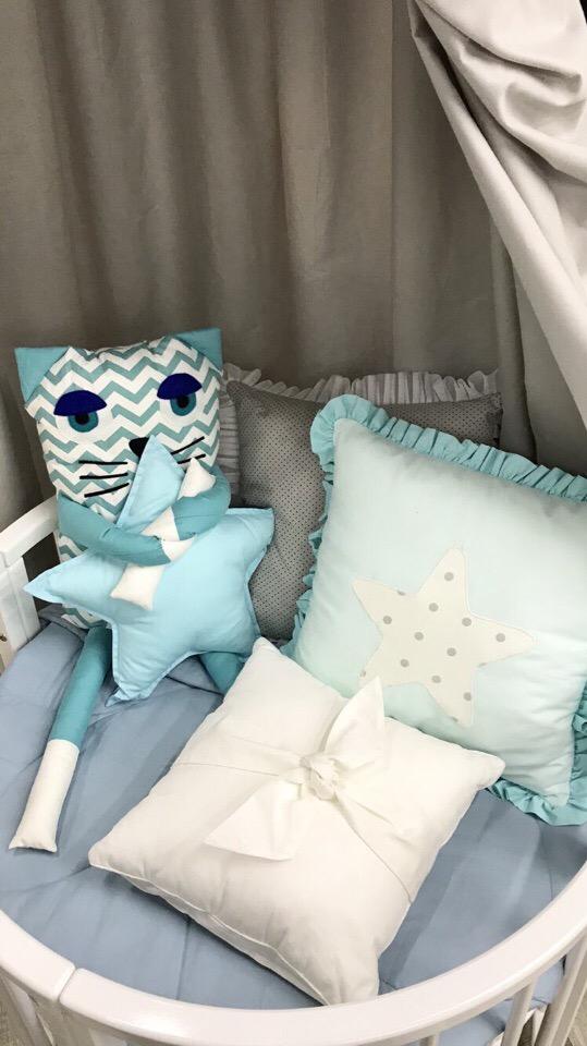Бортики подушечки в круглую кроватку
