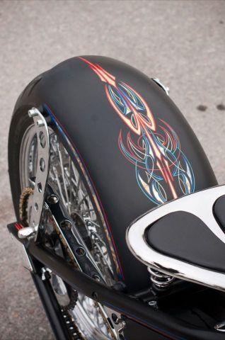 пинстрайпинг на мотоцикле