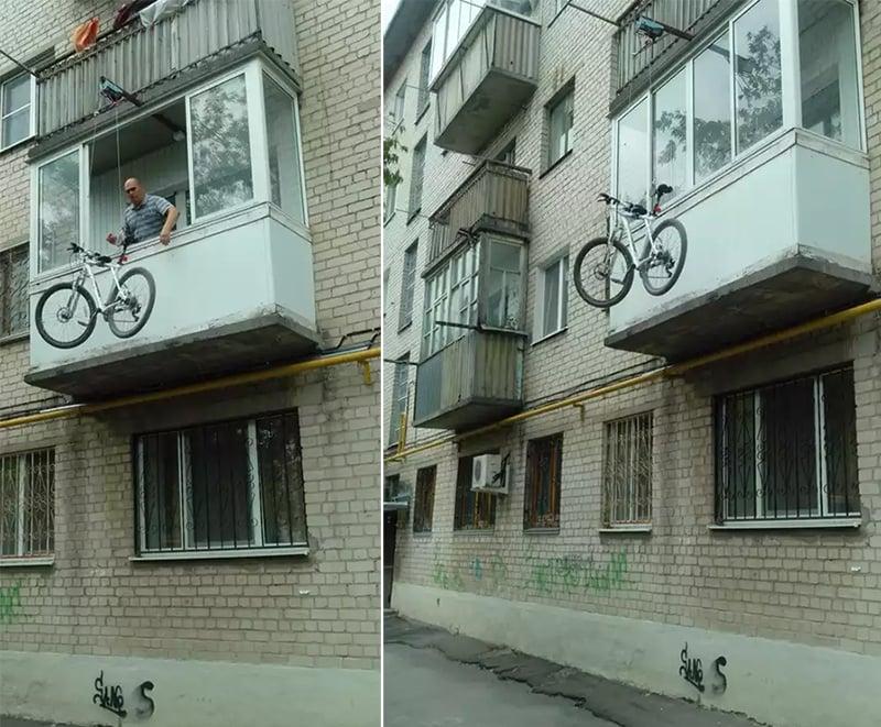 Подъем велосипеда на балкон на блоках