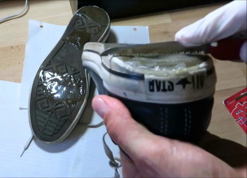 Заклеить подошву кроссовок - 2