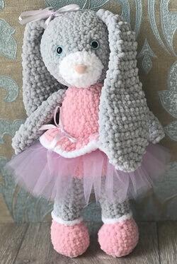 Вязаный заяц из Пуффи