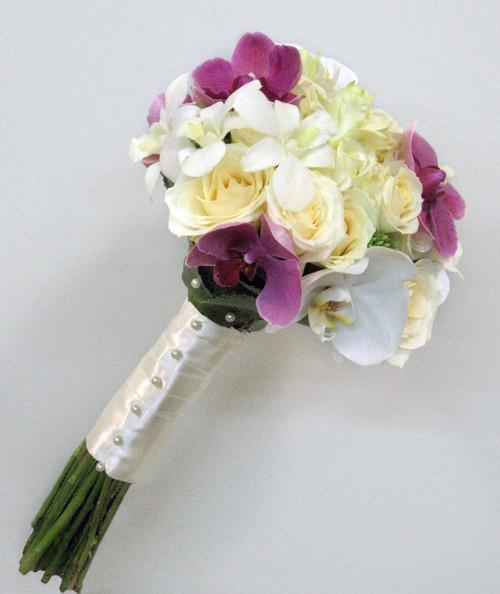 букет_невесты_в_Алматы__оформление_цветами_роза_орхидея.jpg