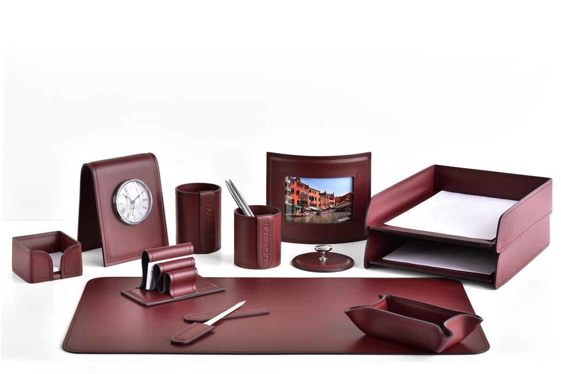 бордовый настольный набор руководителя с часами buvardo