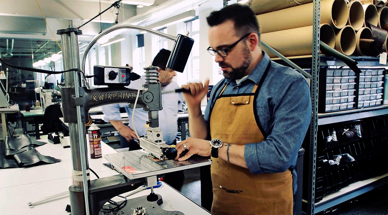 Изготовление кожаных браслетов Москвёнок