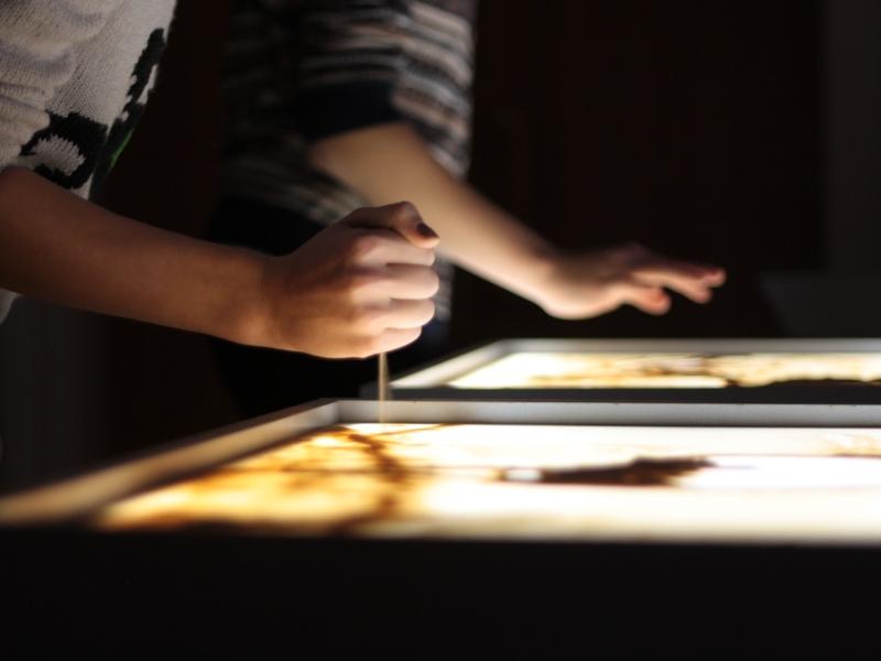 Рисование кулаком