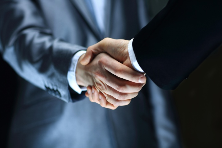 Переговоры с поставщиками должен вести исключительно руководитель