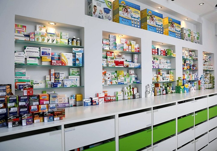 Для аптеки желательно использовать пластиковое и стеклянное оборудование