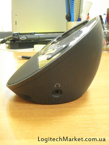 LOGITECH_BCC950_sideview