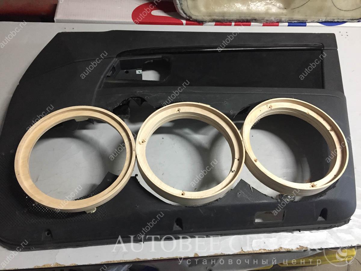Lada Priora (процесс изготовления громких подиумов)