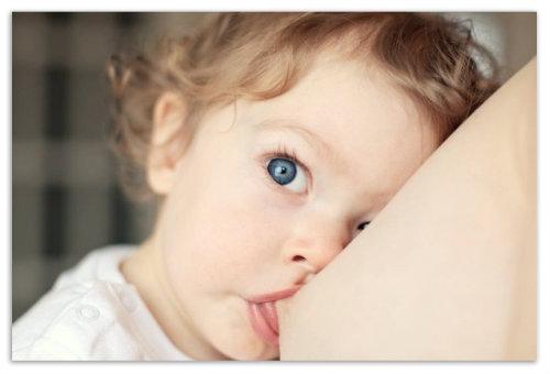 Как_укладывать_ребенка_спать_во_время_отлучения_от_груди.jpg
