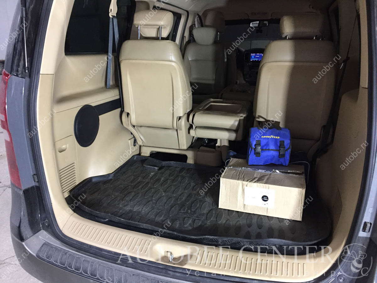 Hyundai Starex (H1) (корпус Стелс под сабвуфер)