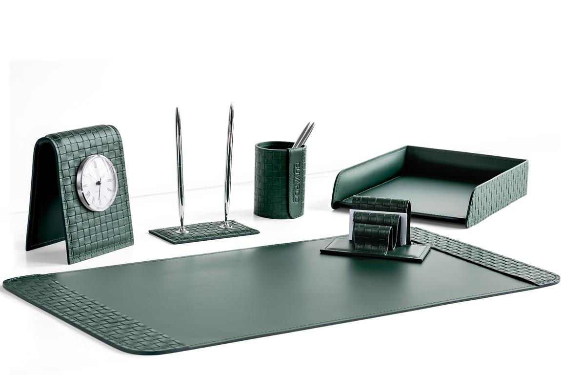 Набор на стол из 6 предметов из зеленой кожи  с переплетением