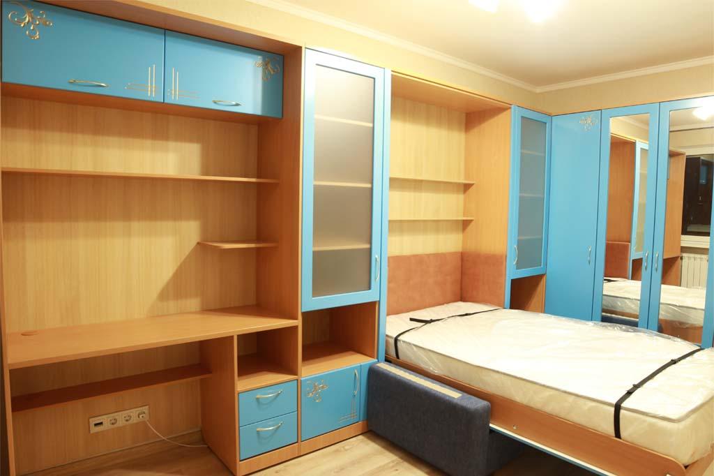 Шкаф-кровать Виктория с диваном, фасады МДФ эмаль с фрезеровкой и патиной