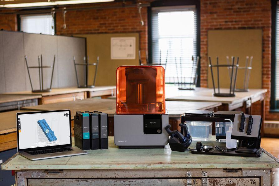 Подготовьте свою модель в программе для SLA 3D-принтера.