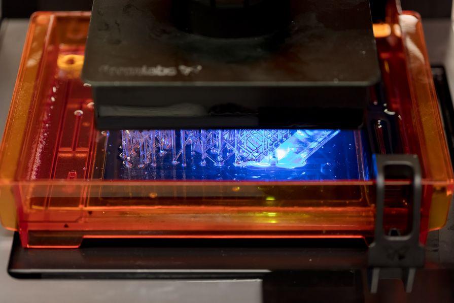 Процесс стереолитографической печати