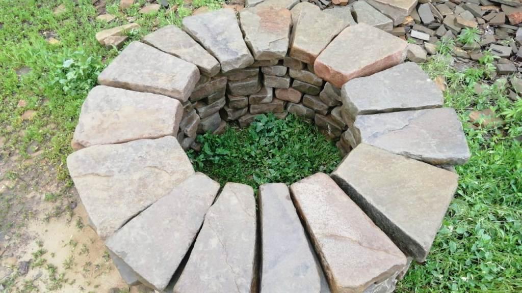 очаг из камня