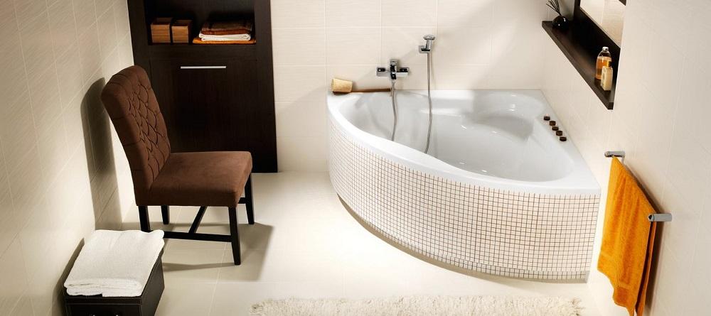 Сидячая угловая ванна маленькая