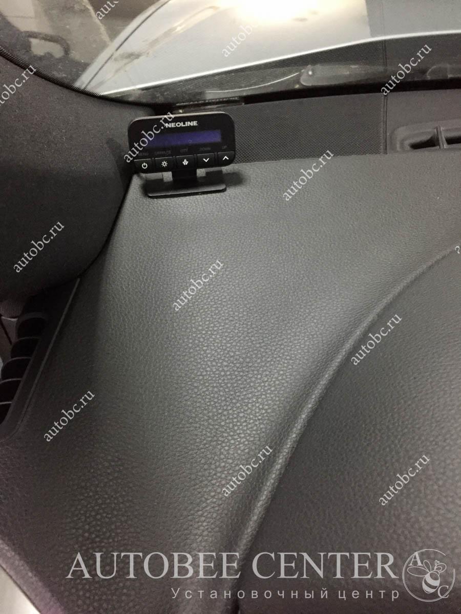 Porsche Cayenne (установка разнесенного радар детектора NeoLine S300)