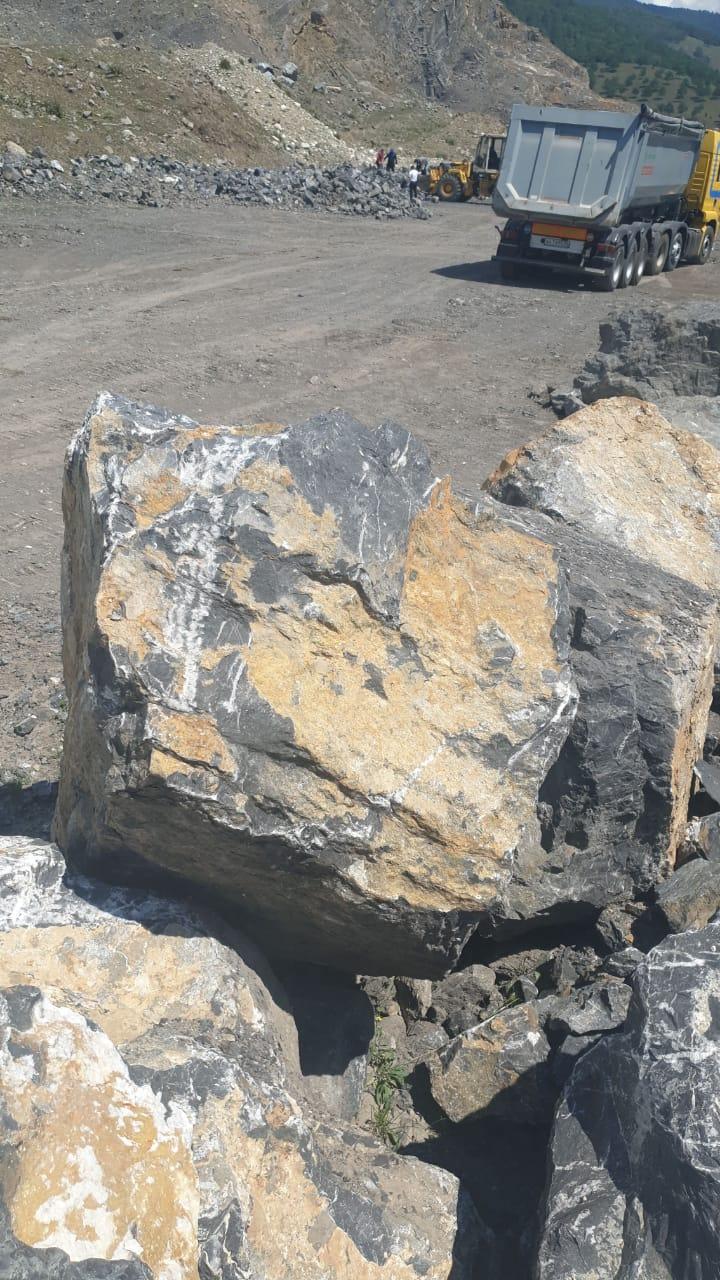 Глыба камень мраморный Чёрный 2