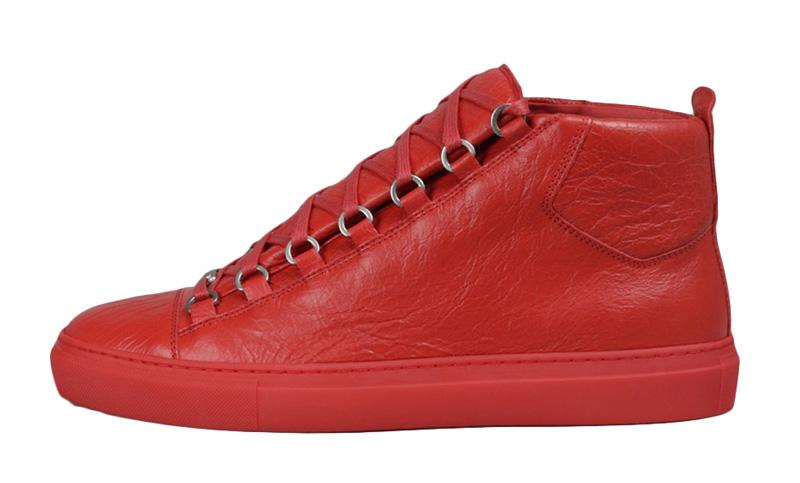 Выпрямить складки на кроссовках из кожи - 1