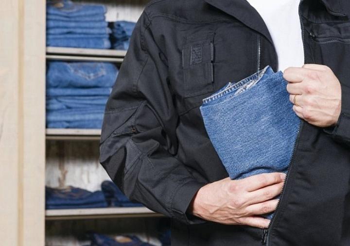 Большинство товаров сотрудники воруют из магазина самостоятельно