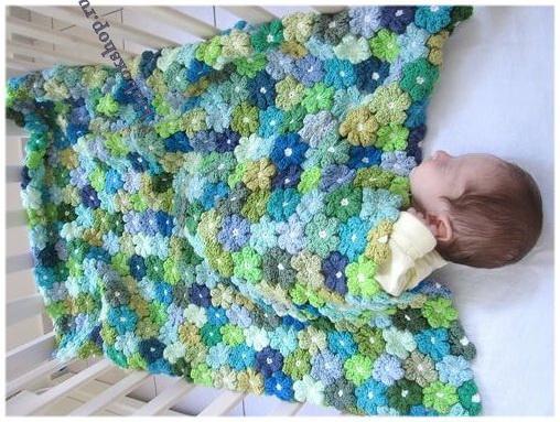 Вязаное детское одеяло