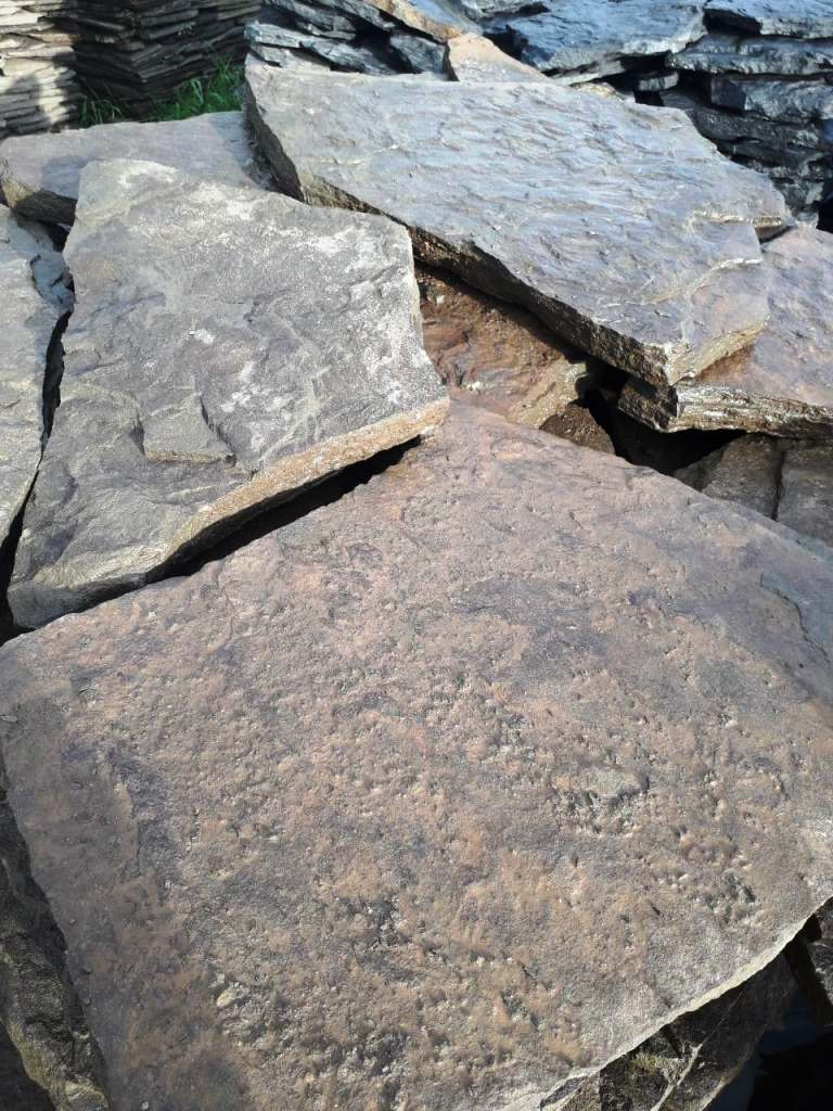 вид сверху камень на поддоне