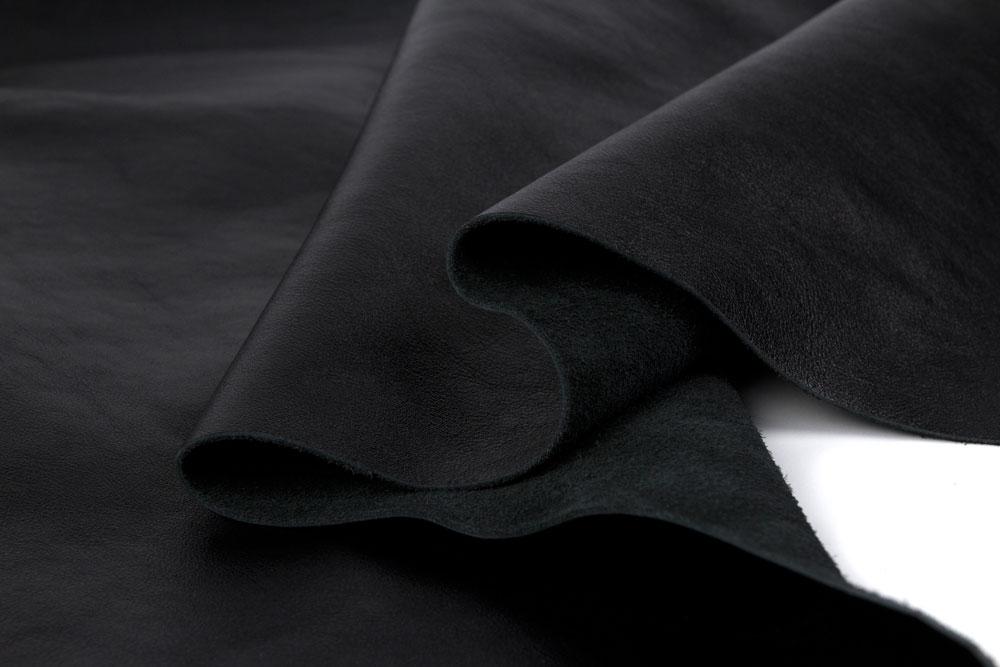 Натуральная кожа для производства боксерских перчаток Dozen Fight Gear