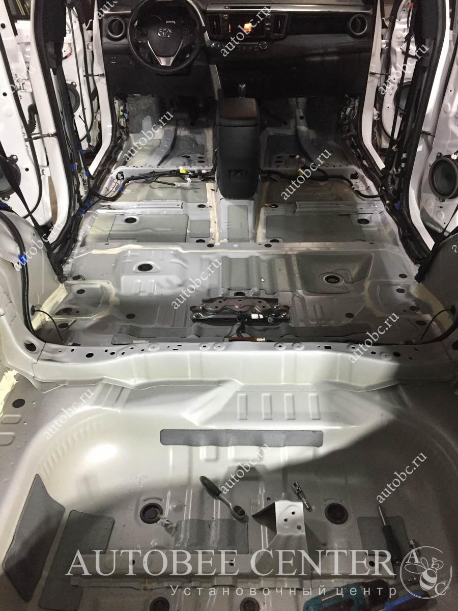 Toyota Rav 4 (шумоизоляция)
