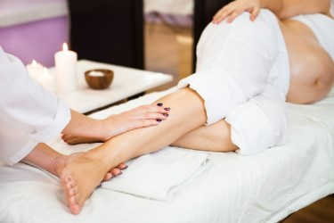отекают ноги у беременной массаж