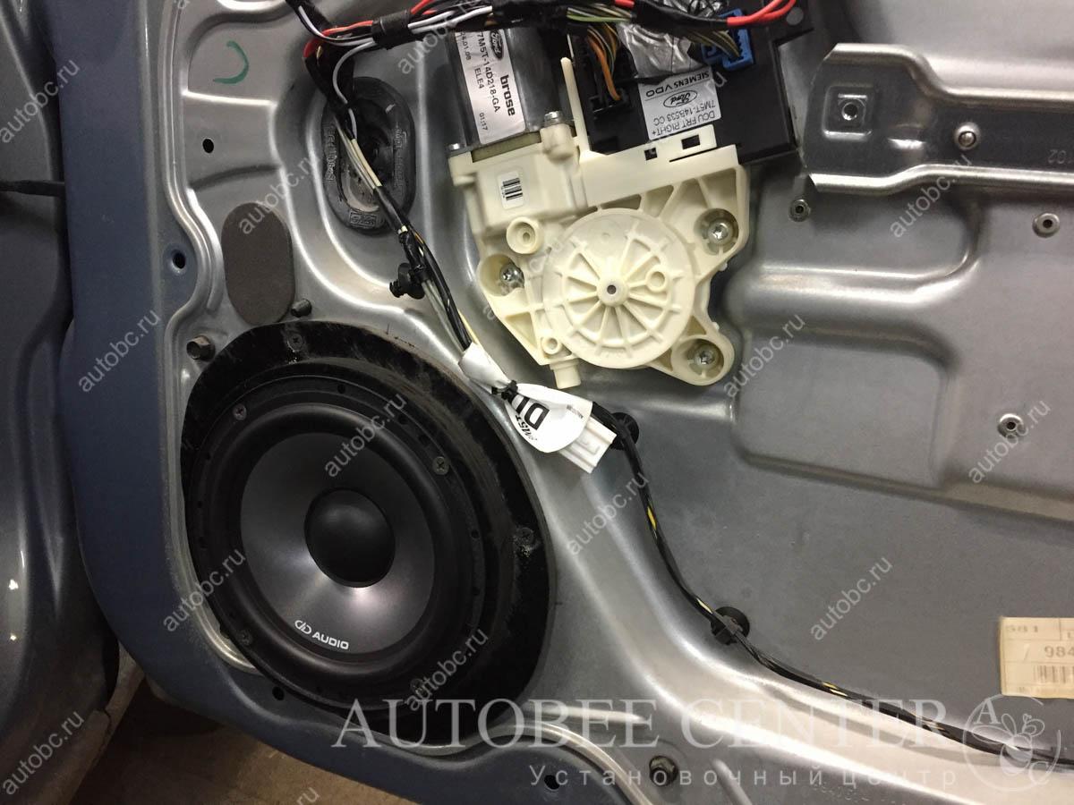 Ford Focus 2 (установка автоакустики DDaudio)