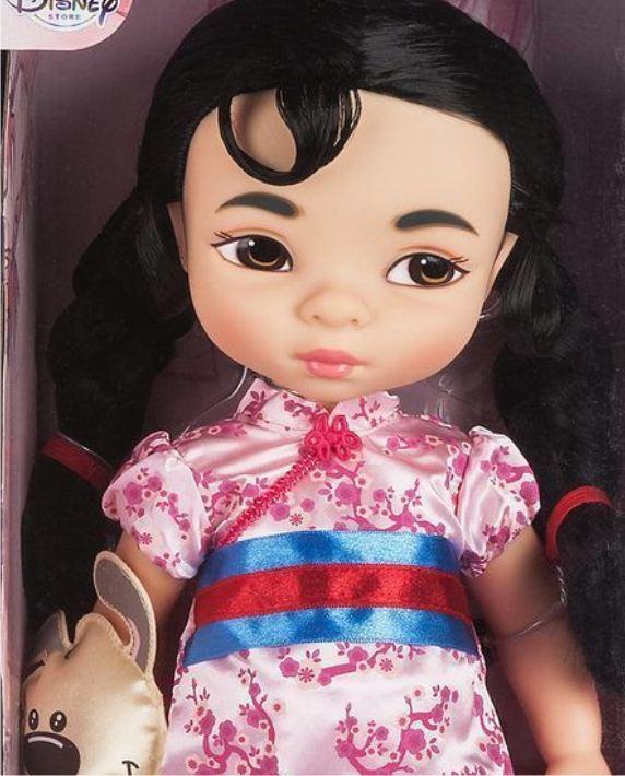 Маленькая кукла Мулан из серии  Аниматорз (крупным планом фото)