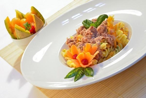 Салат из пасты с тунцом, рецепт
