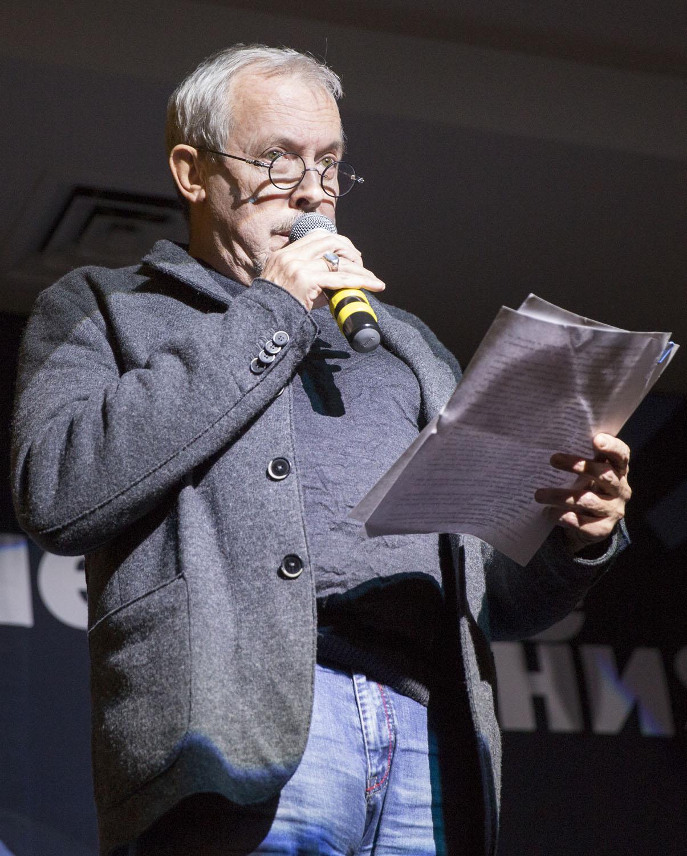 Музыкант Андрей Макаревич - кому, как не ему, писать о музыке?