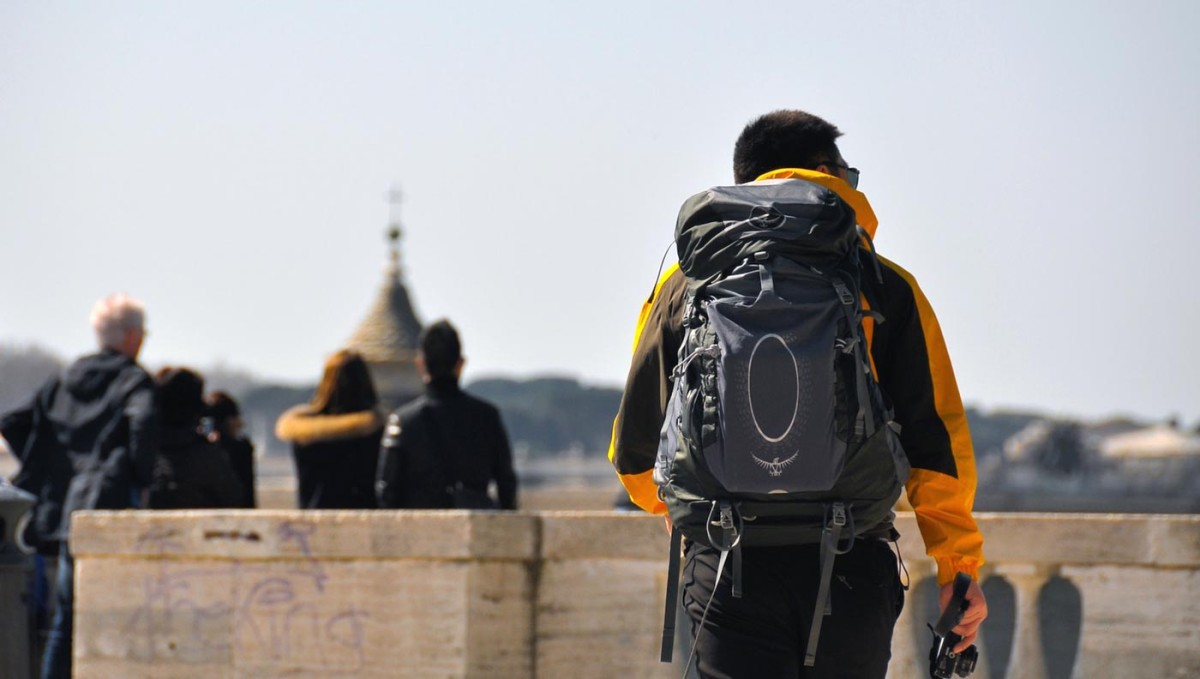 travel-for-young-people-1200x679.jpg