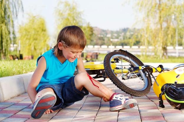 наслідки падіння дитини без захисту з велосипеда