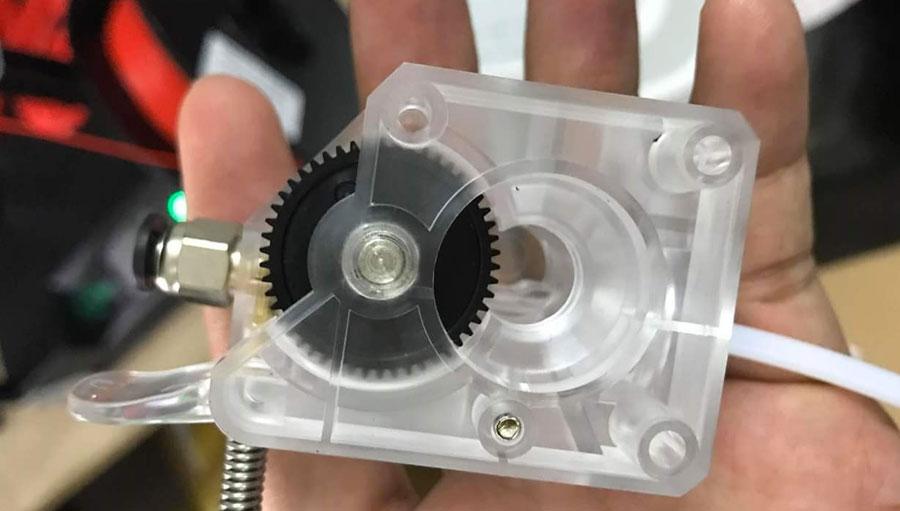 Anycubic Mega Zero со стороны сдвоенного экструдера