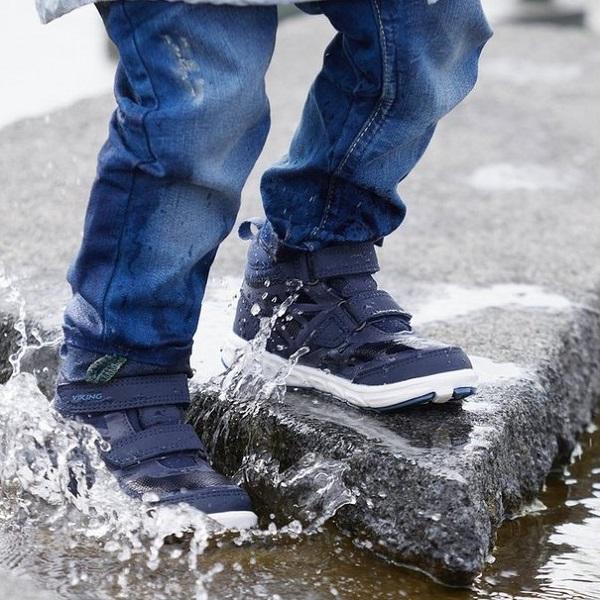 Демисезонные ботинки Viking для мальчика