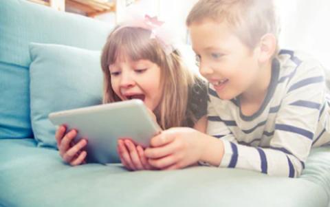 Потерянное время: не давайте ребёнку планшет как можно дольше!