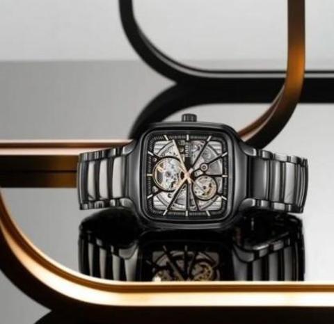 Rado True Square - новый взгляд на квадратные часы!