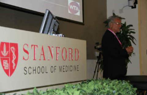 8-9 июня в Стэнфорде состоялся Симпозиум по кинезиотейпированию