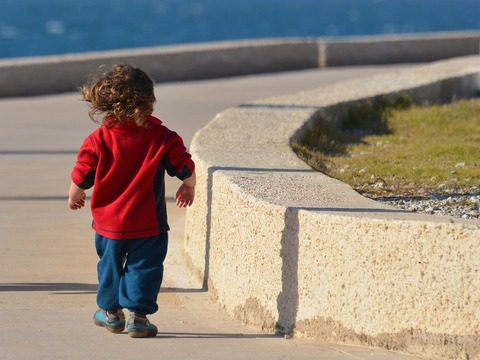 Нужно ли гулять с ребёнком в плохую погоду?