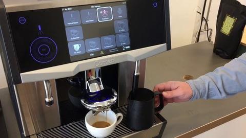 Чем суперавтоматическая кофемашина отличается от автоматической и сможет ли она заменить бариста?